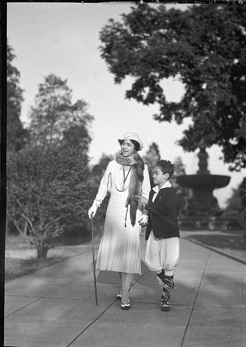 Lillian Evanti (Lillian Evan Tibbs and son Thurlow Tibbs) at McMillan Park ca. 1930.  Scurlock Studio Records, ca. 1905-1994, Archives Center, National Museum of American History.